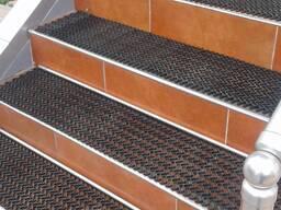 Антискользящие покрытия на ступени