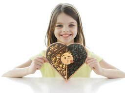 Деревянный подарочный набор с сухофруктами формы сердца