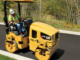 Дорожный каток Caterpillar CB24 XT