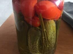 Консервированные огурцы и помидоры - фото 2