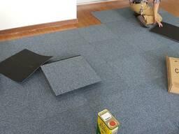 Ковровая плитка из полиамида
