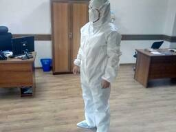 Медицинский комбинезон для биологической защиты