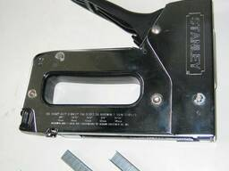 Строительный степлер (мебельный)